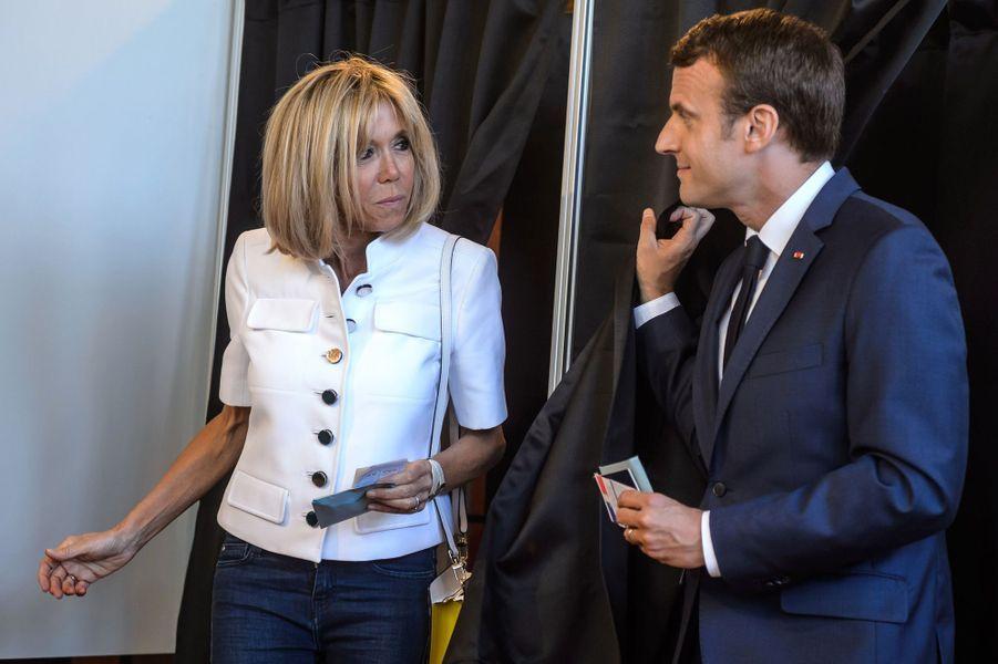 Emmanuel Macron et son épouse Brigitte ont voté au Touquet.