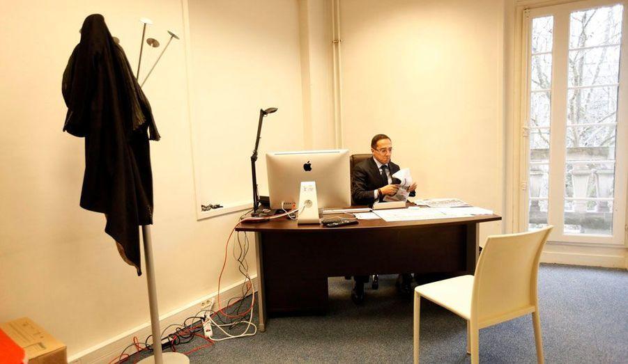Faouzi Lamdaoui, qui fait partie du premier cercle de François Hollande, dispose également de son bureau au deuxième étage. Il occupe le poste de chef de cabinet.