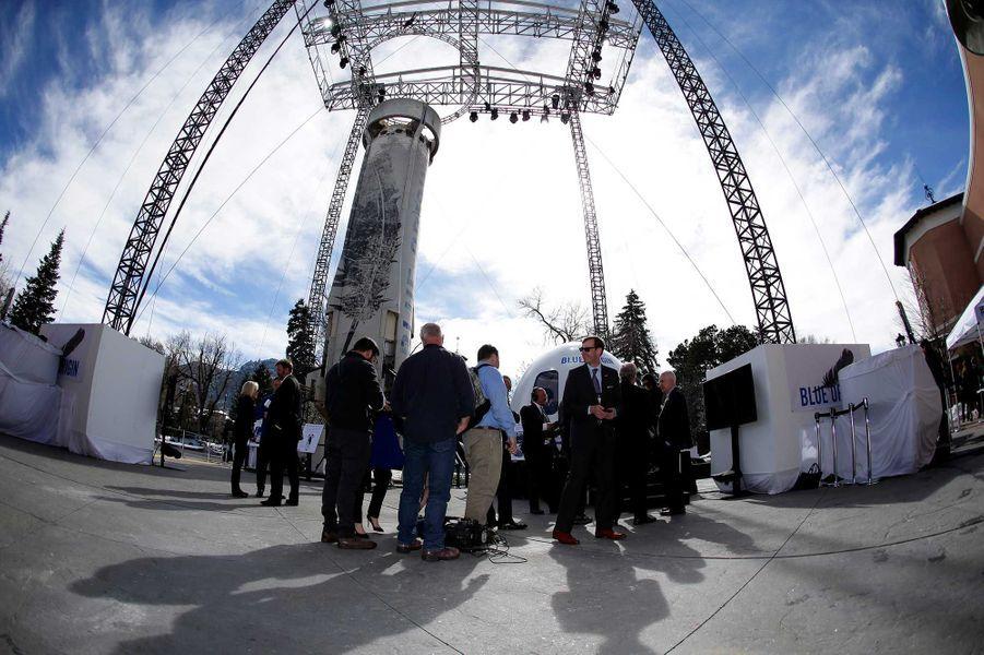 La capsule de Blue Origin, présentée par son PDG Jeff Bezos.