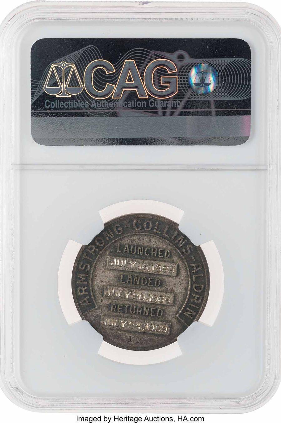 Médaille en argent de Neil Armstrong.