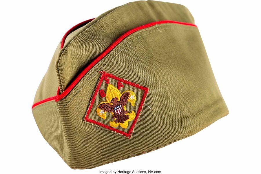 """Le béret deBoy Scouts of America de Neil Armstrong, gradé """"Eagle Scout""""."""