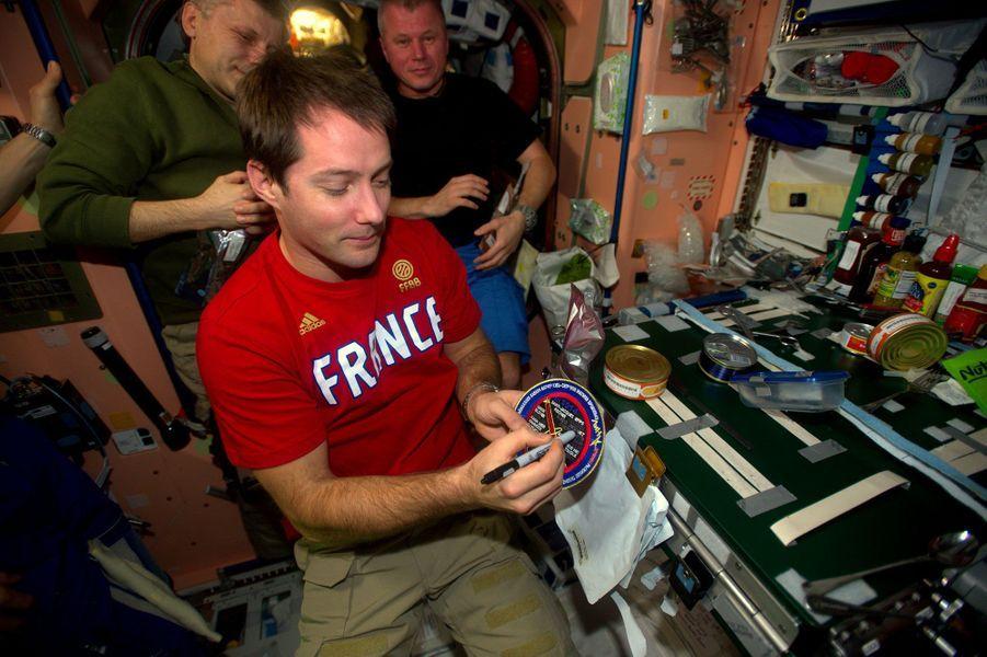"""""""Content de pouvoir barrer mon nom et de quitter le club des astronautes sans vol spatial"""""""
