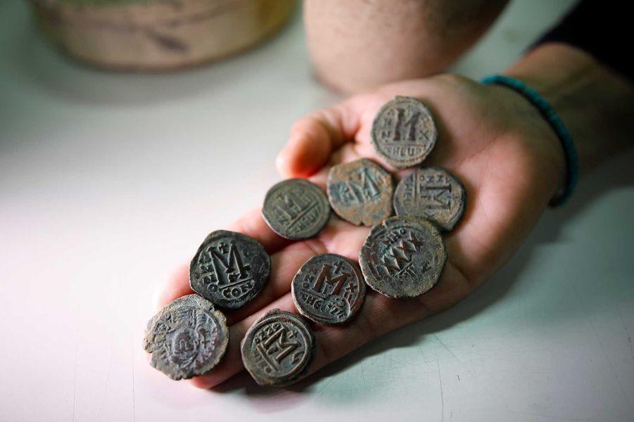 Des pièces en bronze de l'époque byzantine.
