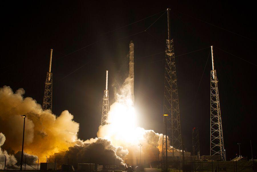 La capsule Dragon de SpaceX vers l'ISS