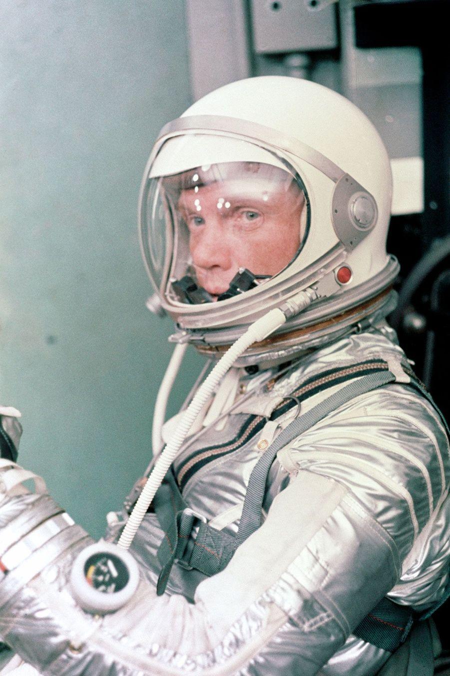 John Glenn, quelques minutes avant le décollage, le 20 février 1962