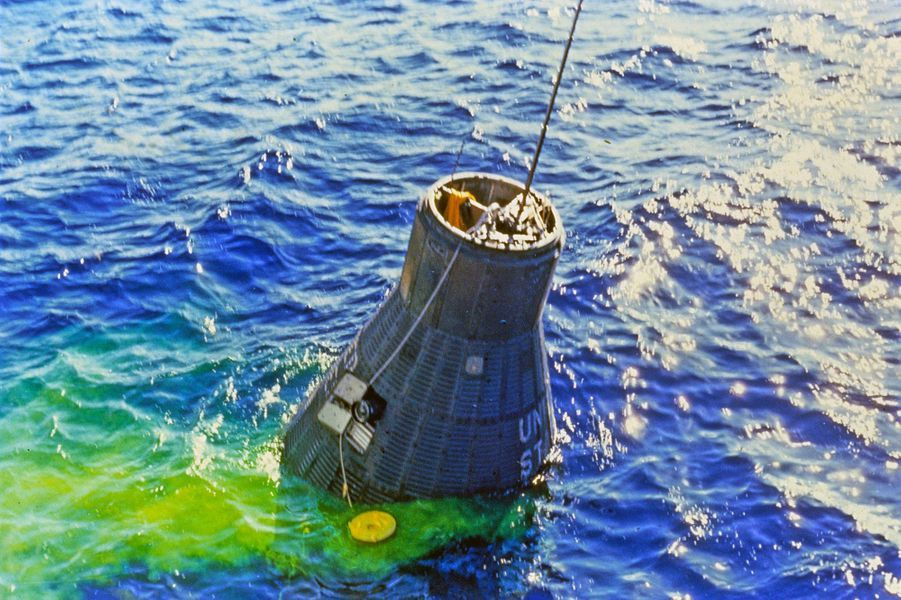 John Glenn réussit l'atterrissage, le 20 février 1962
