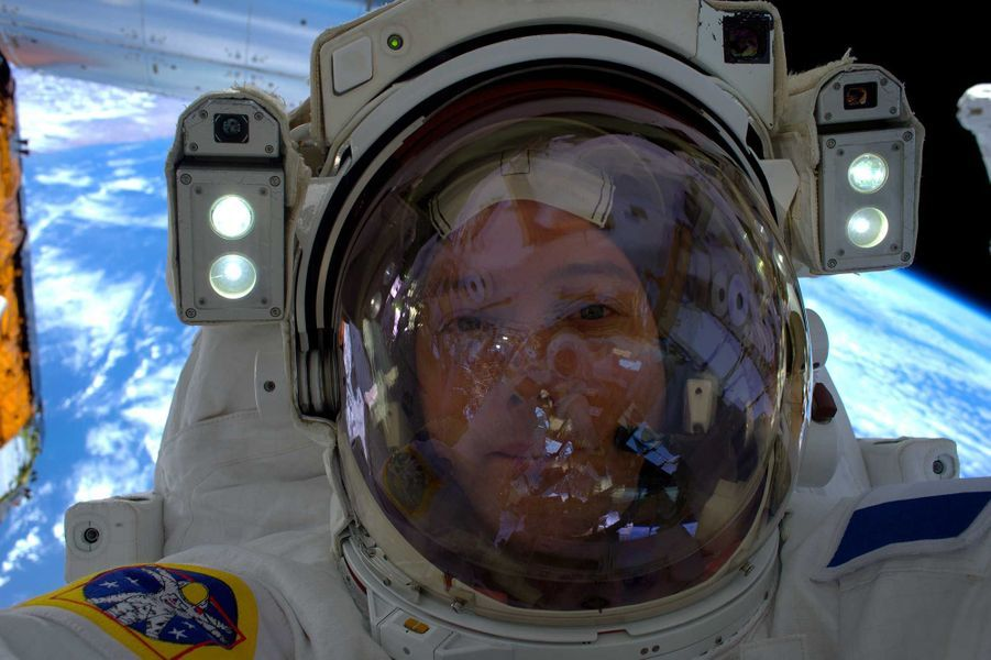 Le selfie de Thomas Pesquet, en sortie extravéhiculaire.