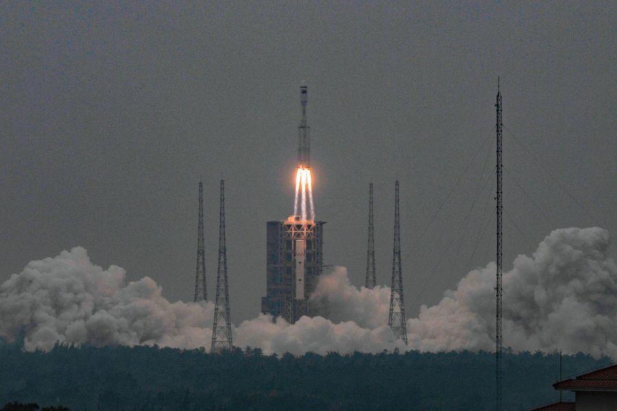 La fusée chinoise Longue-Marche 8 a décollé mardi du centre de lancement de Wenchang sur l'île de Hainan (sud). Dans le futur, la Chine veut qu'elle soit réutilisable, comme le lanceur de SpaceX, Falcon 9.