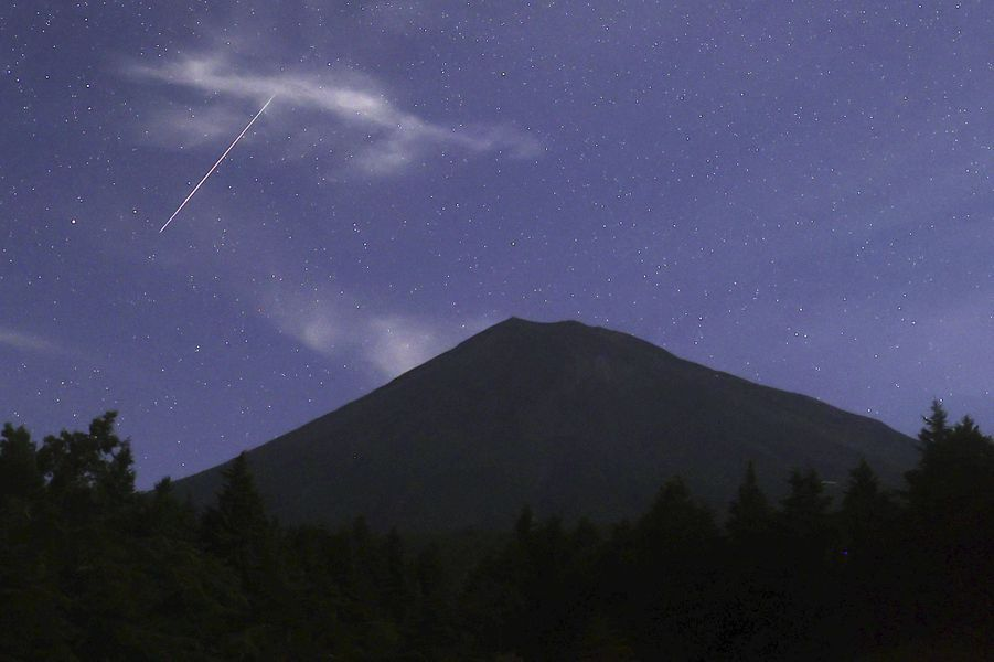 Au-dessus du mont Fuji au Japon