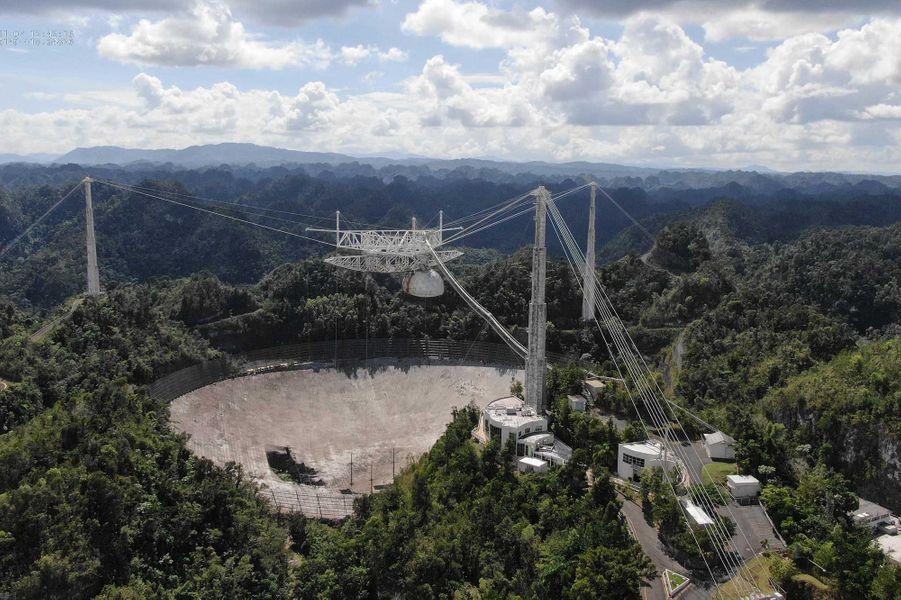 Outil de nombreuses découvertes astronomiques, le radiotélescoped'Areciboétait l'un des plus grands au monde. L'annonce de son démantèlement avait déjà ému de nombreux astronomes professionnels et amateurs.