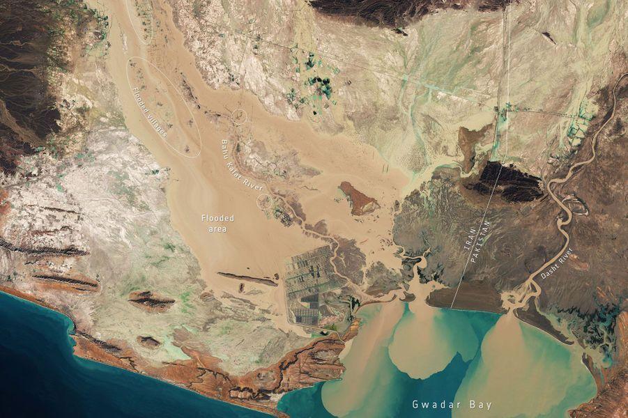 Janvier. Les inondations en Iran vues du ciel.