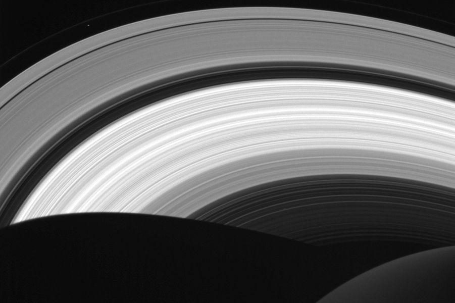 La sonde Cassini immortalise les anneaux de Saturne
