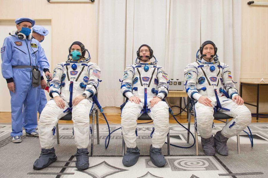 Les astronautes Kathleen Rubins, Sergueï Ryjikov et Sergueï Koud-Svertchkov.