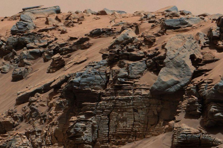 Détail de la surface rocailleuse de Mars