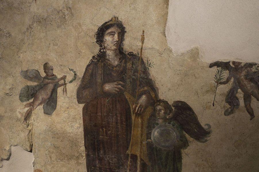 Pompéi a inauguré lundi son Antiquarium, un musée rénové qui expose des statues en bronze, des fresques, des bijoux en or et argent.