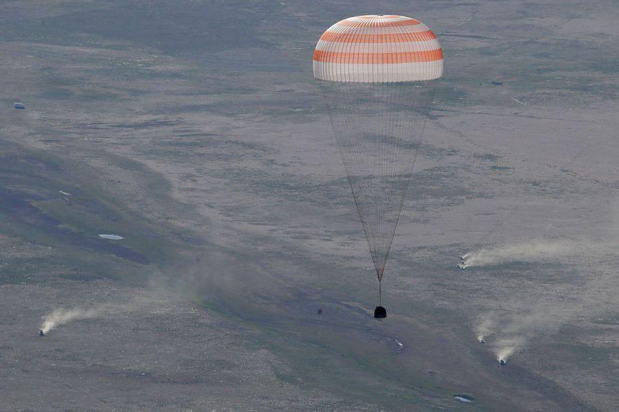 Les trois astronautes ont quitté la station spatiale ISS et sont revenus sur Terre dimanche