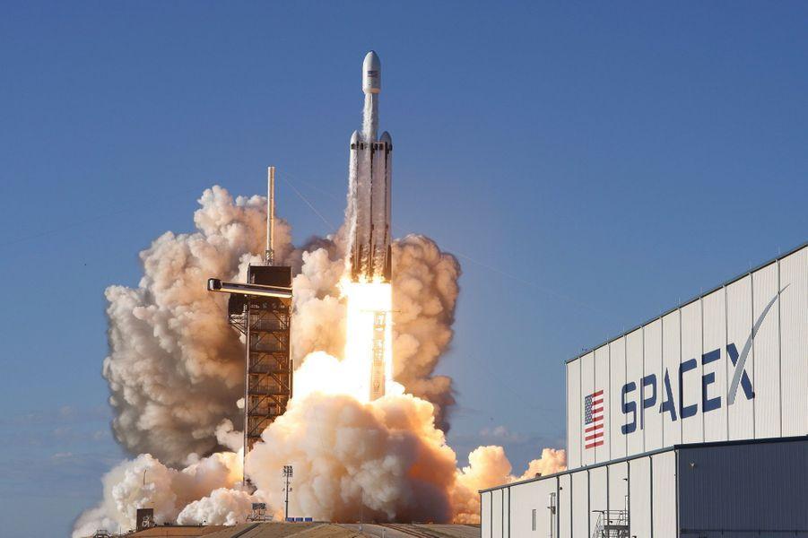 Lors du décollage de Falcon Heavy, le 11 avril 2019,à Cap Canaveral en Floride.