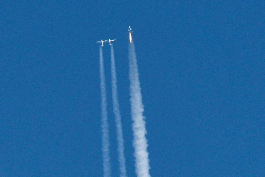 Un vaisseau Virgin Galactic a atteint l'espace pour la première fois, le 13 décembre 2018 depuisMojave en Californie.
