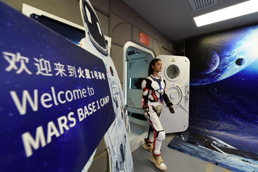 """""""Base Mars 1"""", qui se trouve dans le désert de Gobi, a été inaugurée par des adolescents chinois."""