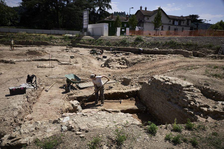 """Les fouilles dans cette """"Pompéi viennoise"""" vont durer jusqu'en décembre"""