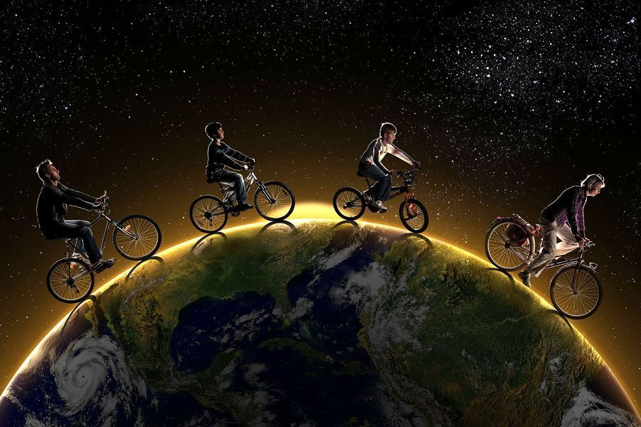 La sauvegarde de la planète est l'affaire de tous.La Poste, qui dispose notamment de la plus importante flotte de véhicules électriques au monde, en est convaincue et a décidé d'illustrer une série de timbres par des photos représentant la fragilité de la Terre. Les timbres possèdent un pouvoir intemporel pour toucher les cœurs et soutenir de grandes causes.Sélectionnez les photos qui représentent le meilleur message pour la sauvegarde de la Terre. Les 8 visuels gagnants deviendront des timbres qui seront édités en mars 2015.