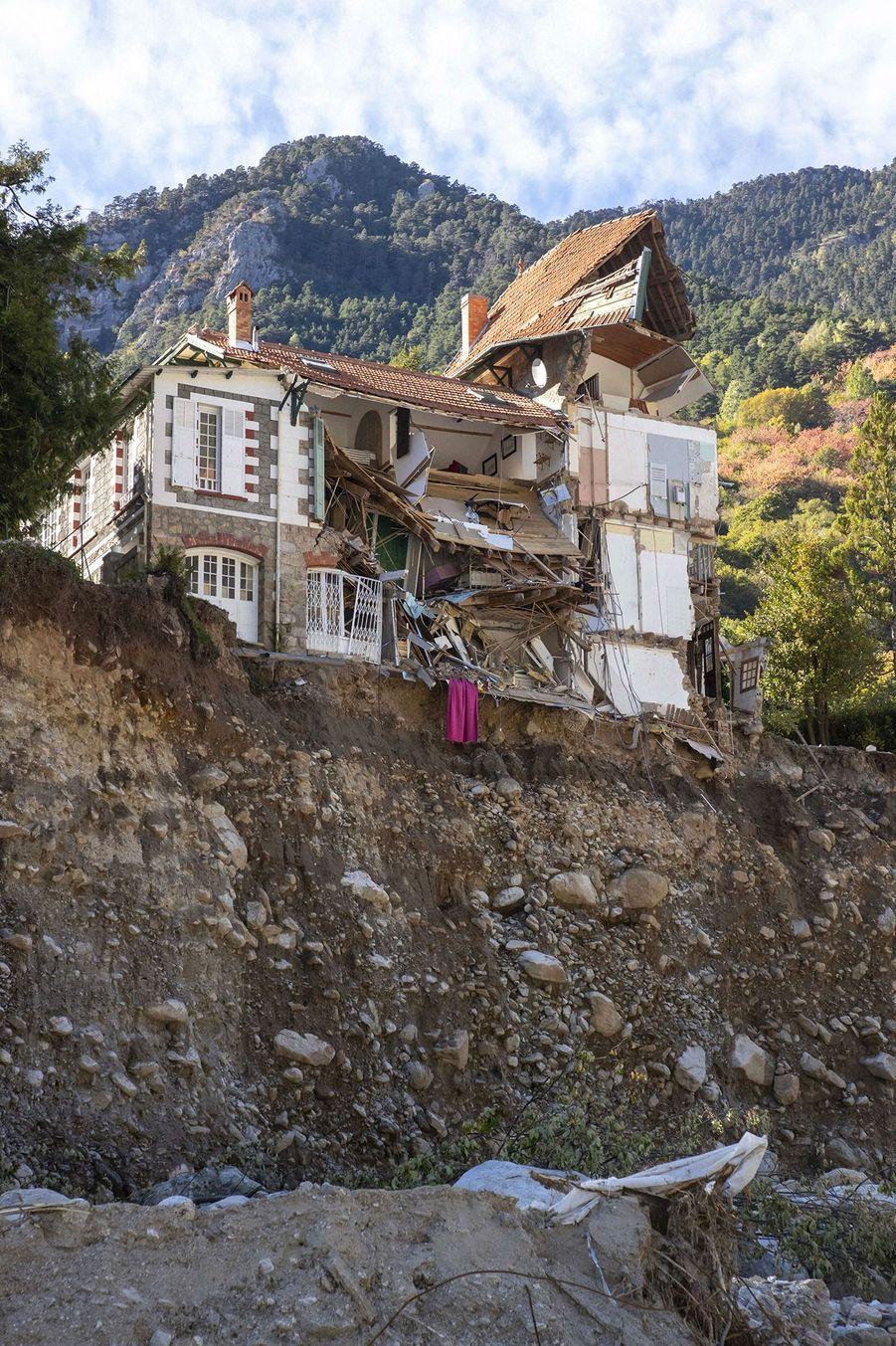 Saint-Martin-Vésubie, le 12 octobre, 10 jours après les crues dévastatrices.