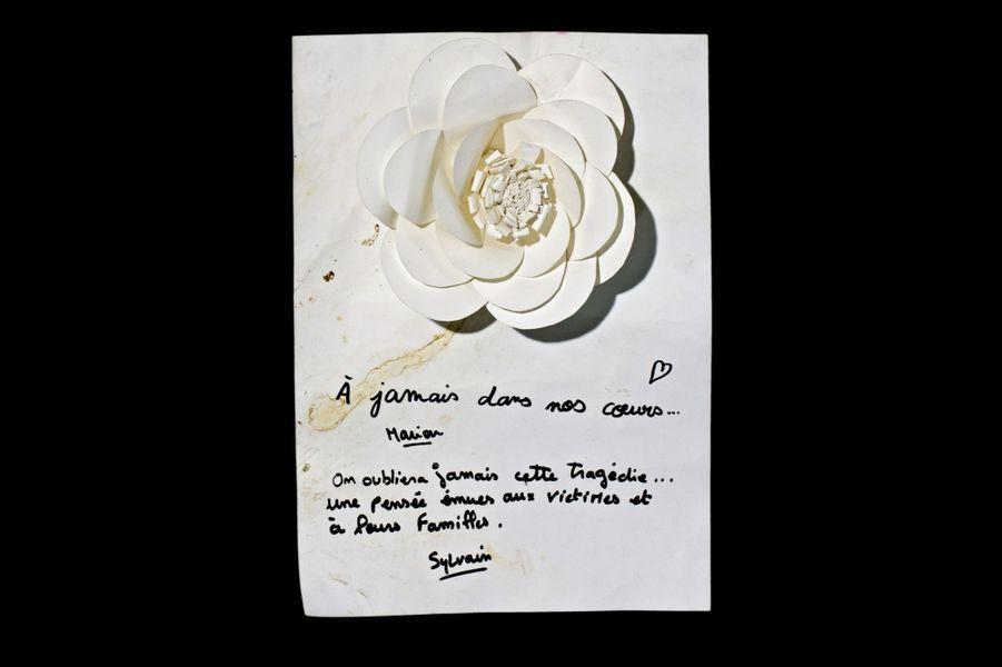 Fleur de papier, La Belle Equipe (3907W).