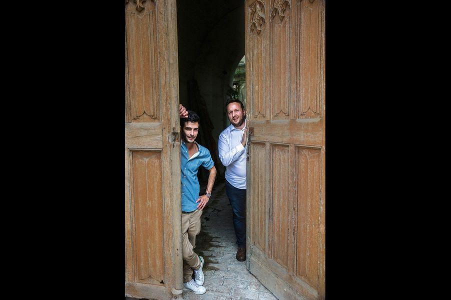 Les chefs d'orchestre du projet, Romain Delaume, cofondateur de Dartagnans, et Julien Marquis, historien de l'association Adopte un château.