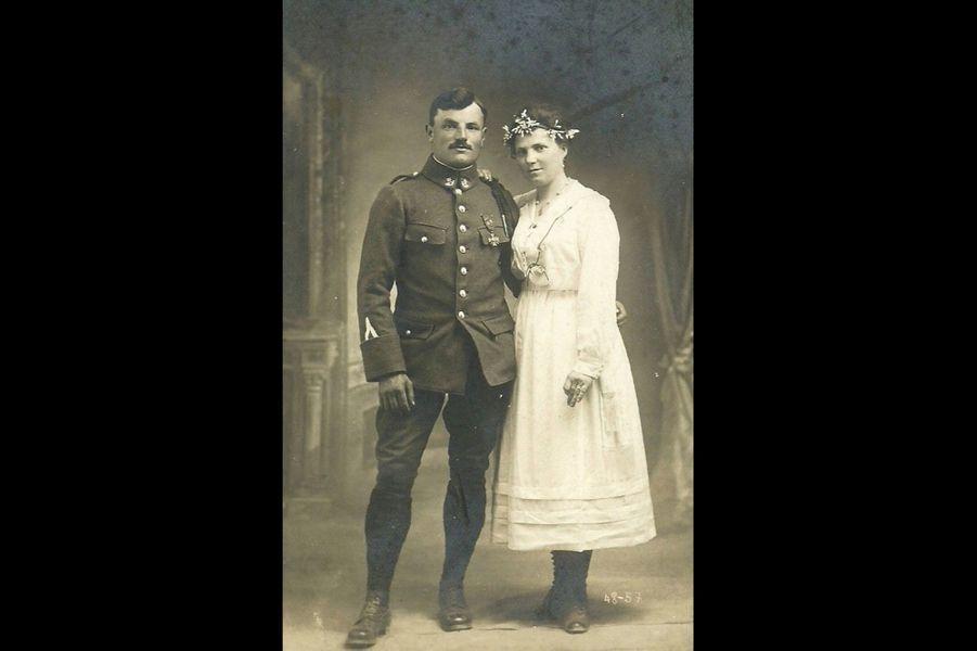 Charles Macabey, artilleur. Son mariage en 1919. Arrière-grand-père de Mariana Grépinet.