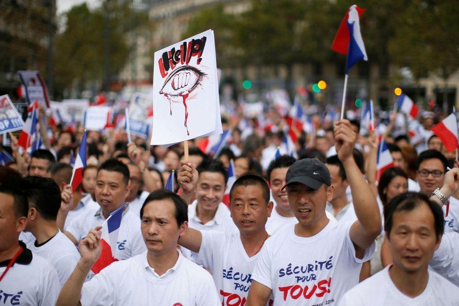 """Manifestation de la communauté chinoise dimanche àParispour réclamer """"la sécurité pour tous""""."""