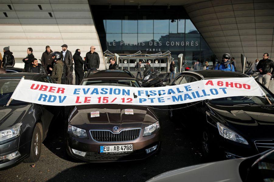 Manifestation des chauffeurs de VTC à Paris, le 15 décembre 2016.