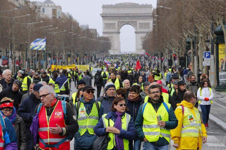 """Manifestation des """"gilets jaunes"""" à Paris, le 9 mars 2019."""