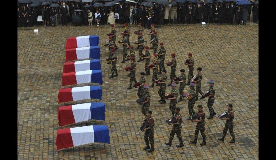 """""""Vous n'êtes pas morts pour rien car vous vous êtes sacrifiés pour une grande cause. L'armée française, c'est l'affirmation du peuple français de demeurer libre […] c'est l'expression la plus achevée de la Nation française dans l'Histoire, a martelé le chef des Armées. Soldats, vous êtes le visage meurtri de la France, dans lequel le pays reconnaît ses plus belles valeurs humaines."""""""