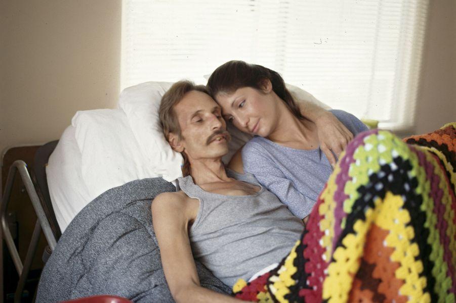 Un malade du sida en fin de vie au Chris Brownlie Hospice de Los Angeles, en 1989. Les trithérapies n'arriveront qu'en 1996.