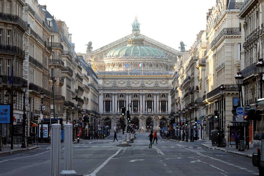 L'avenue de l'Opéra pendant le confinement