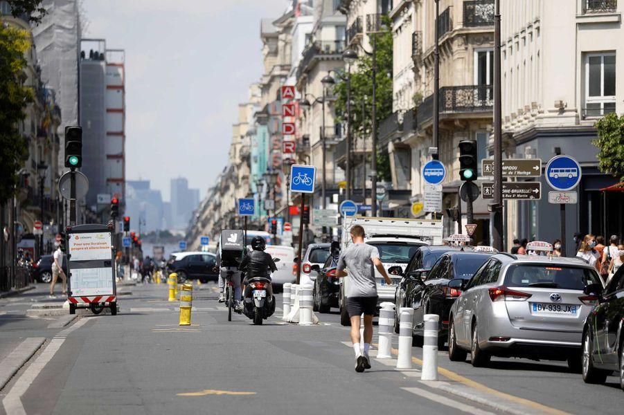 Rue Rivoli après le déconfinement