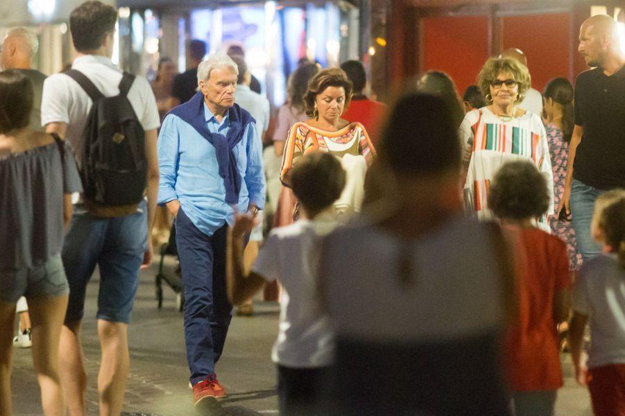 Bernard Tapie et son épouse Dominique, mercredi à Saint-Tropez.
