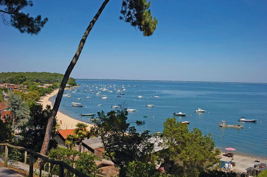 Des airs de tropiques sur la plage de la Pointe aux chevaux. Située dans le village du Grand Piquey, elle fait face à l'île aux Oiseaux.