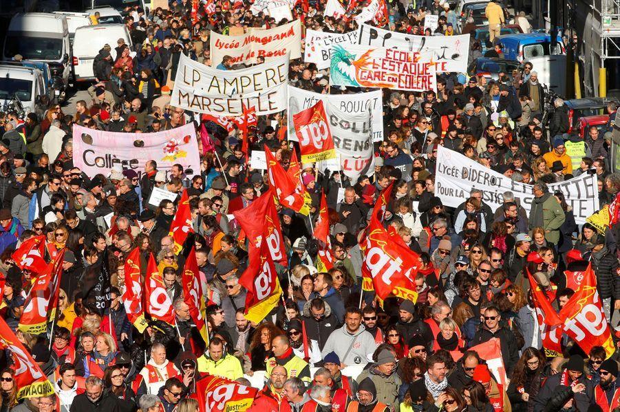 Dans la manifestation à Marseille, mardi.