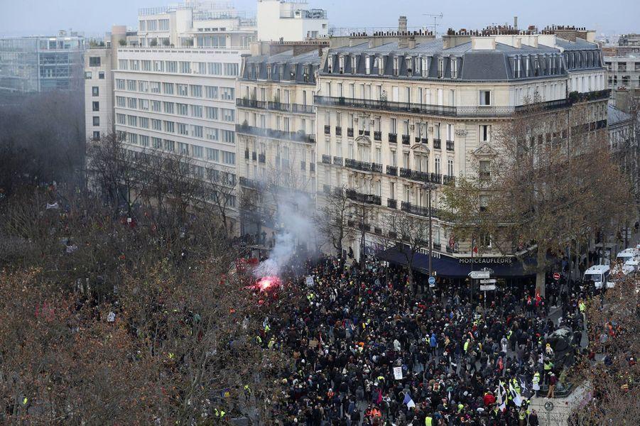 Vue du cortège parisien, mardi.