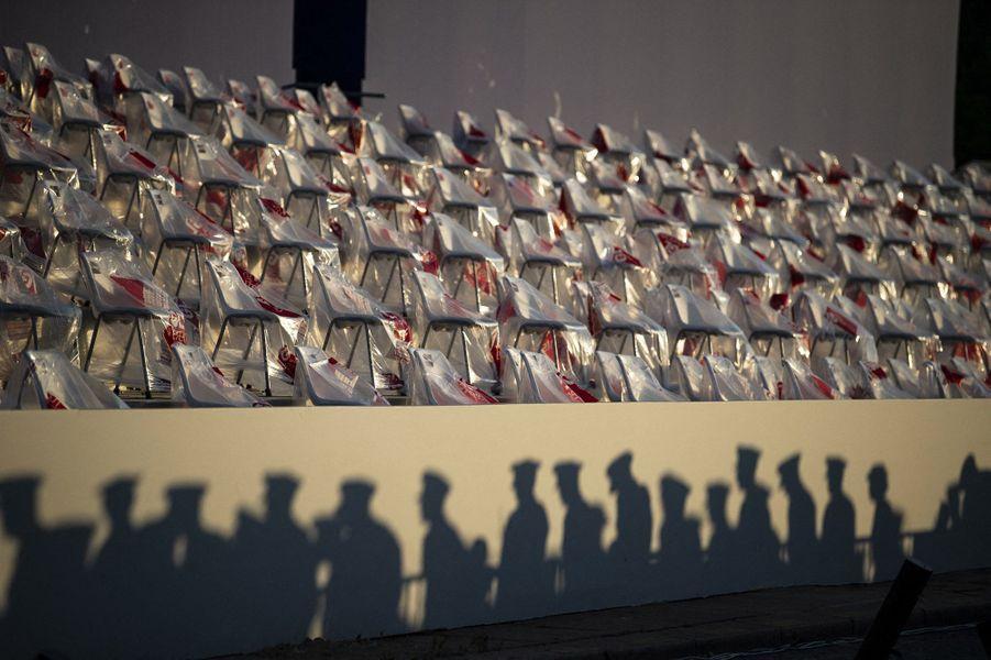 Répétitions lundi à l'aube pour la cérémonie du 14-Juillet.