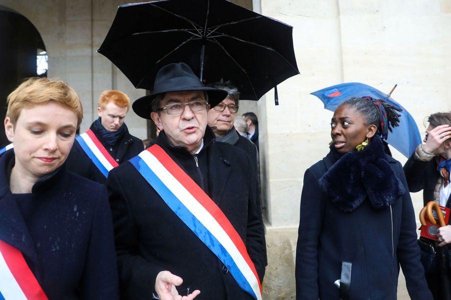jean-Luc Mélenchin, accompagné de Clémentine Autain etDanièle Obono.