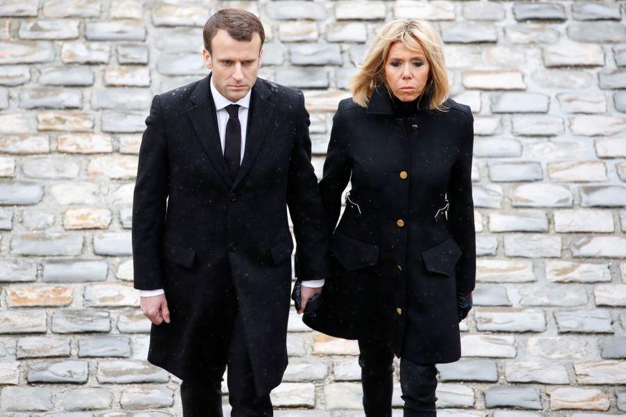 Emmanuel Macron et son épouse Brigitte Macron.