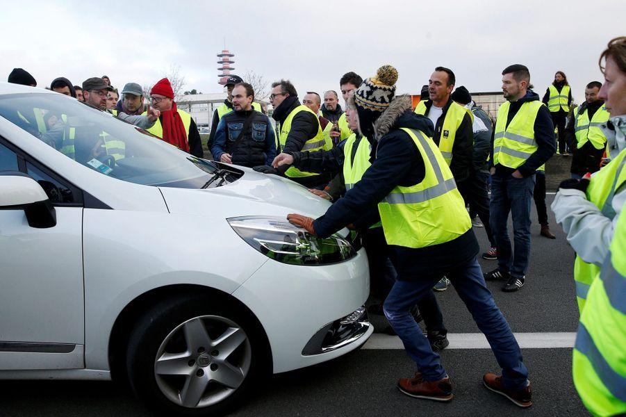 Manifestation de gilets jaunes à Nantes.