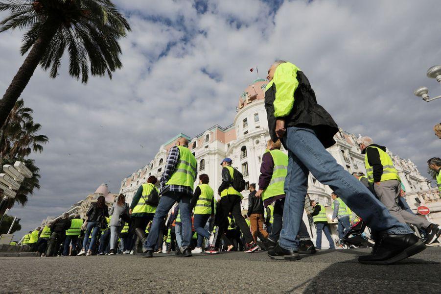 Sur la promenade des Anglais, à Nice.
