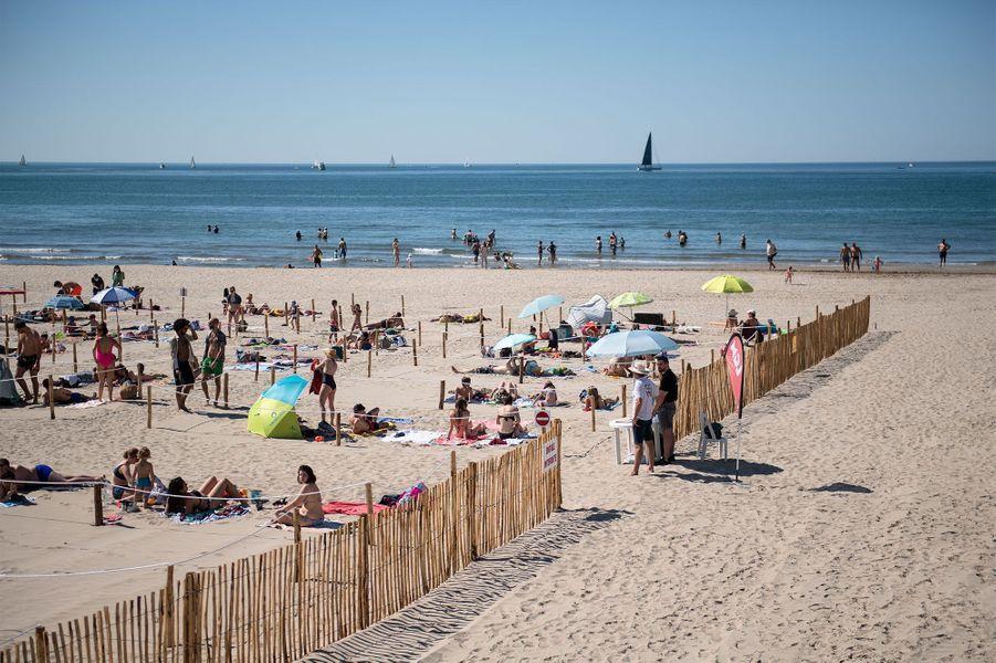 La Grande-Motte expérimente une nouvelle façon de profiter de la plage.