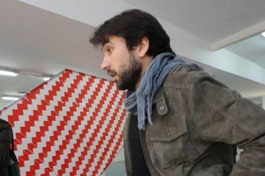 Ce plasticien bordelais diplômé des Beaux-Arts de Paris est mort au Bataclan. Il avait obtenu cet été son doctorat en arts plastiques avec les félicitations du jury à l'unanimité, après une thèse entamée en 2009 à Bordeaux 3, où il enseignait.