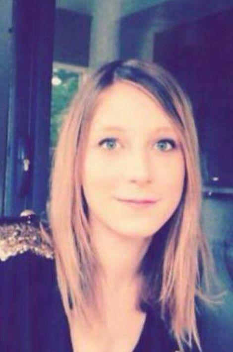 Ellea été tuée au Bataclan où elle passait la soirée avec six amis. Elle étudiait le design à Paris, à l'École de Condé. Le 11 janvier, elle avait défilé avec sa mère place de la République, à Paris.
