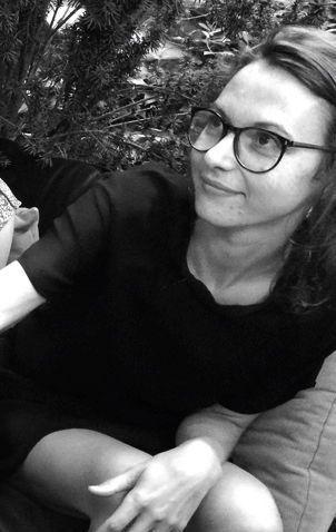 Emilie Meaud, 30 ans, tuée avec sa soeur jumelle Charlotte sur la terrasse du Carillon, était architecte à Paris.