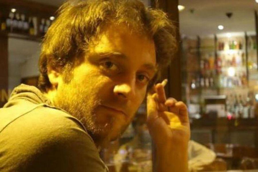 """Franck Pitiot, 33 ans, était au Bataclan. Ses amis, sans nouvelles, avaient lancé des avis de recherches sur les réseaux sociaux pendant trois jours, avant que sa mort ne soit annoncée. Le jeune homme, originaire de Meudon, avait fait des études d'ingénieur dans le BTP à Nancy. """"C'était un mec d'une grande ouverture d'esprit, altruiste. Il aimait voyager avec son sac à dos, cuisiner. Et il le faisait divinement bien"""", a expliqué l'une de ses proches à l'AFP."""